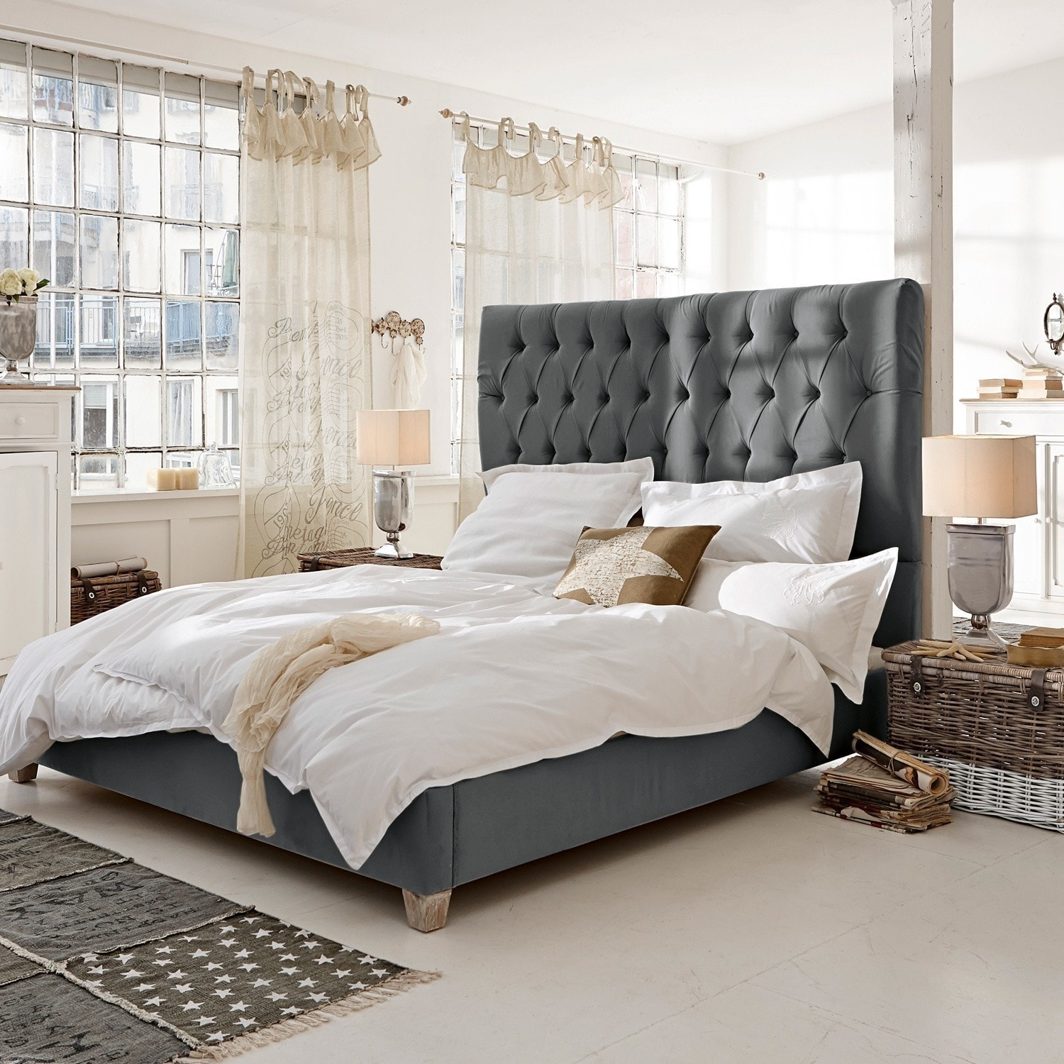 bett benton grau loberon. Black Bedroom Furniture Sets. Home Design Ideas